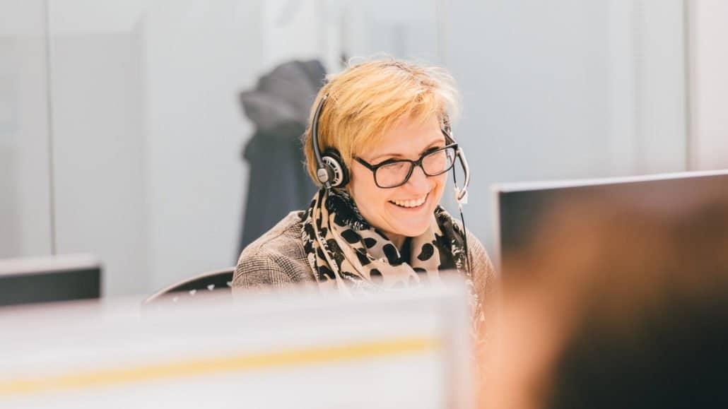 Sybille steht Ihnen im Kundenservice mit Rat und Tat zur Seite.